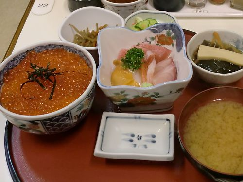 0703aいくら丼460.jpg